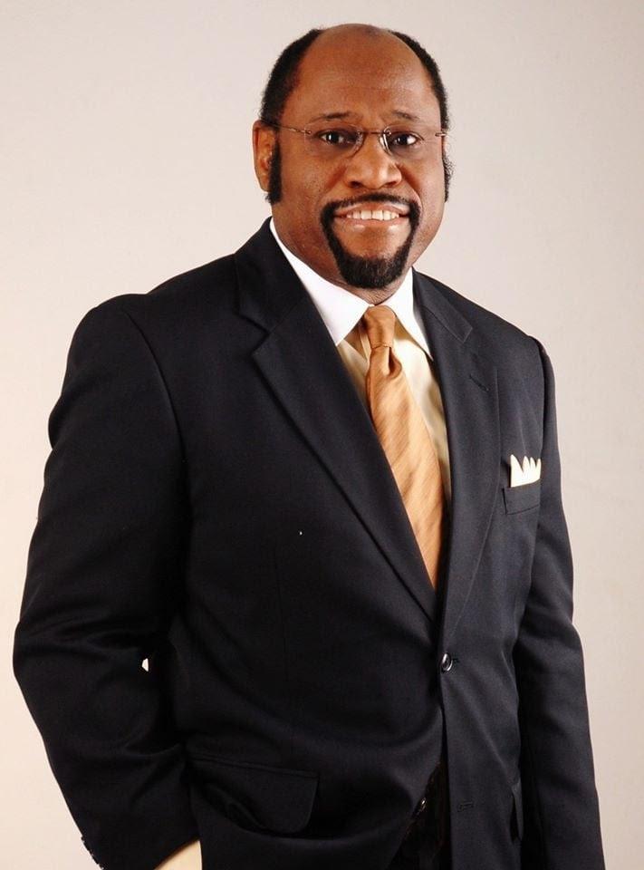 Dr. Myles Munroe morre em acidente de avião, em Bahamas