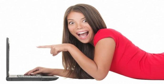 Ποιοί δικαιούνται επίδομα 230 ευρώ, δωρεάν laptop, και φθηνότερο Internet