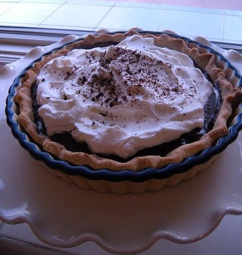 The Yummy Mummy Kitchen Cookbook: Chocolate Pudding Pie