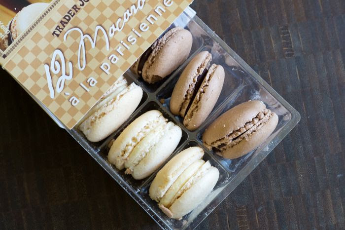 trader joe's macarons a la parisienne review : part of a weekly review series of tj's desserts and treats