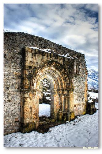 Ruínas da igreja de San Pedro de Plecín #3 by VRfoto
