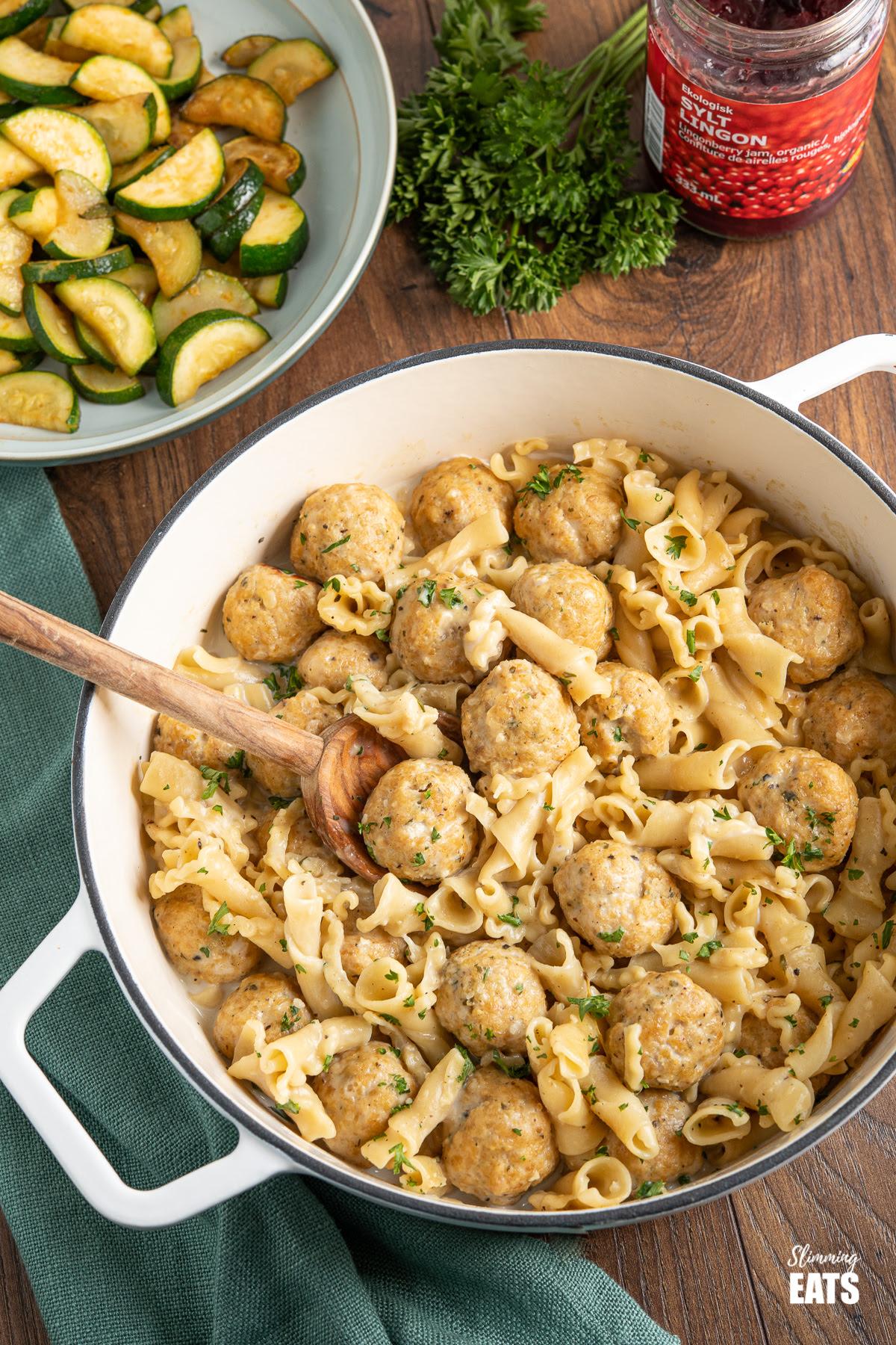 One Pot Turkey Swedish Meatball Pasta | Slimming Eats Recipe
