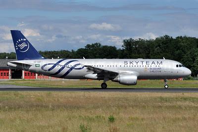 Saudia (Saudi Arabian Airlines) Airbus A320-214 HZ-ASF (msn 4955) (SkyTeam) FRA (Tony Storck). Image: 912230.