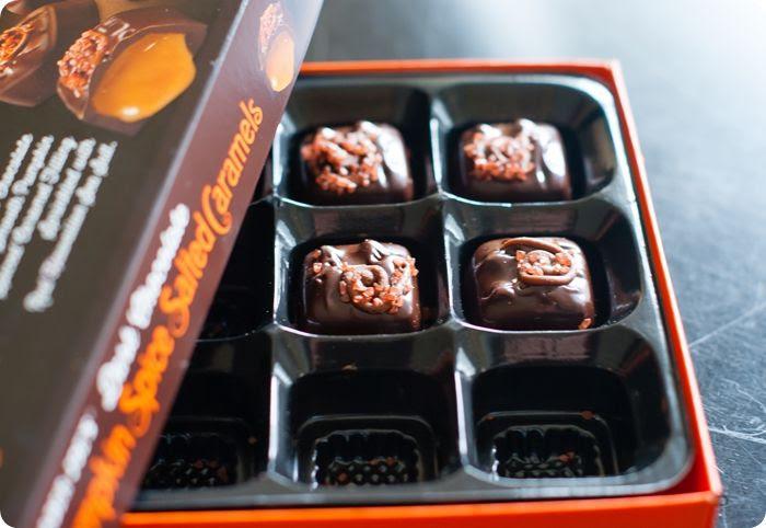 a review: trader joe's dark chocolate pumpkin spice caramels
