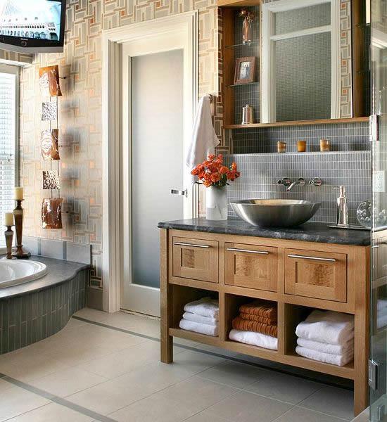 10 Stylish Colored Bathrooms: Modern, Sleek Combinations
