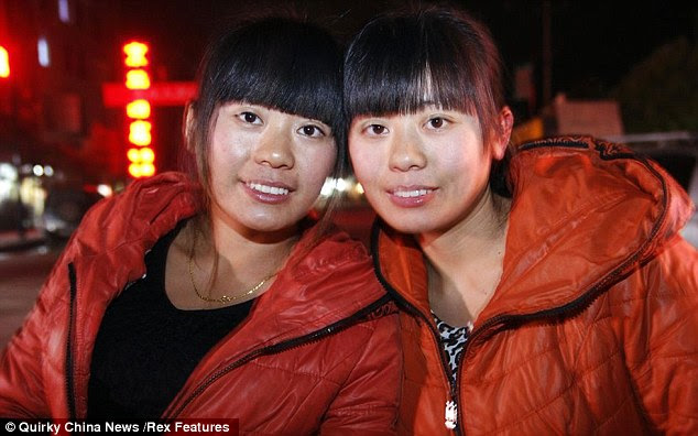 Kisah Pertemuan Wanita Kembar !