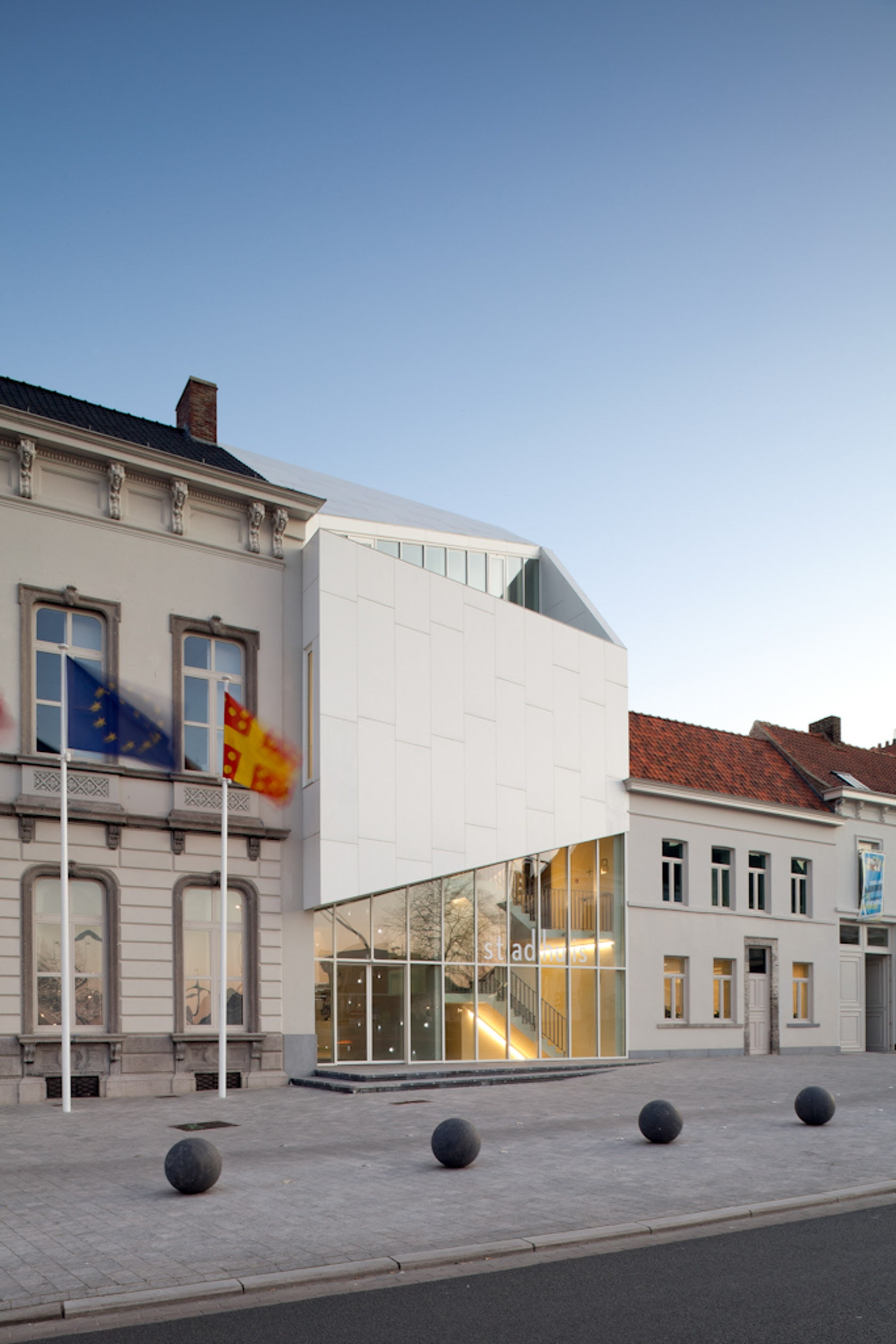 The Town Hall of Harelbeke - Architizer