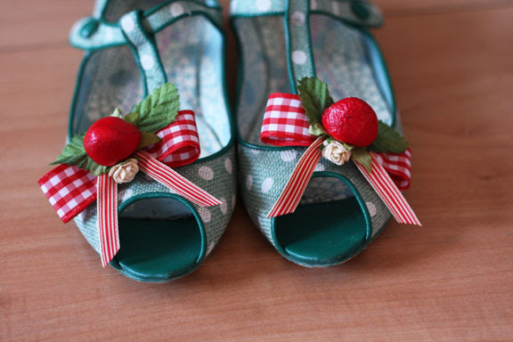 Strawberry shoe clips
