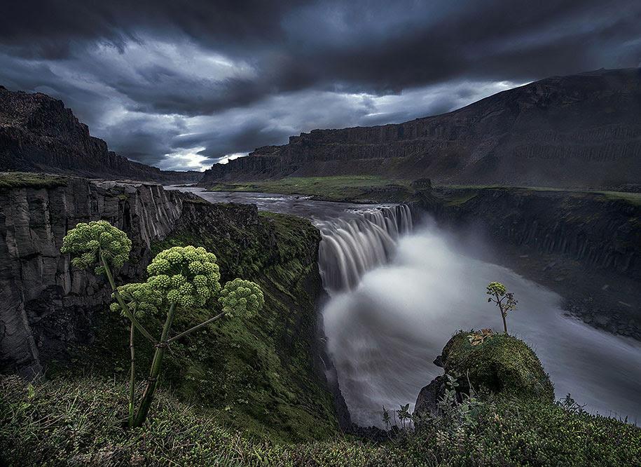 http://www.demilked.com/magazine/wp-content/uploads/2014/06/nordic-landscape-nature-photography-iceland-35.jpg