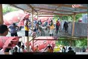 Video ; Satlantas Luwu Utara Melaksanakan Gotong Royong Pengecoran Parkiran Hingga Saat ini