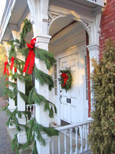 http://www.sugarpiefarmhouse.com/christmas-times-a-comin