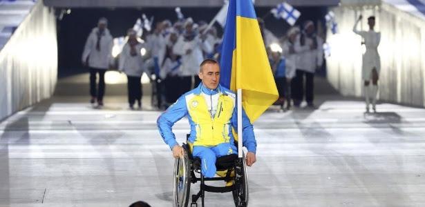 Mykhaylo Tkachenko é o único atleta da Ucrânia na cerimônia de abertura das Paraolimpíadas de Inverno