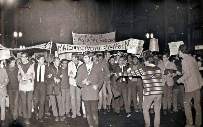 """Em 1968, houve a """"Passeata dos Cem mil"""", a """"Batalha da Rua Maria Antonia"""" e o Congresso da UNE em Ibiúna. Foto: Arquivo Brasil Nunca Mais"""