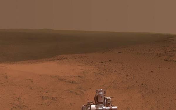 Vista del cratere Endeavour scattata da Opportunity per i suoi 11 anni su Marte (fonte: NASA/JPL-Caltech/Cornell Univ./Arizona State Univ)