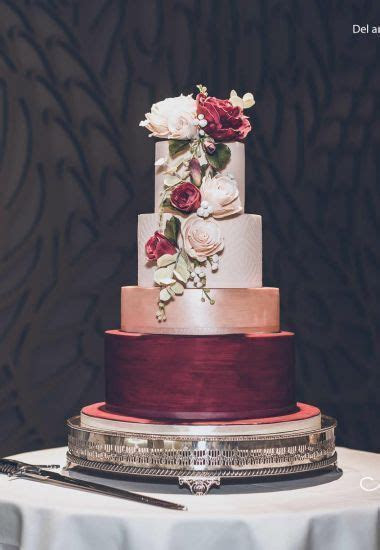 burgundy and rose gold wedding cake.   Wedding Food Ideas