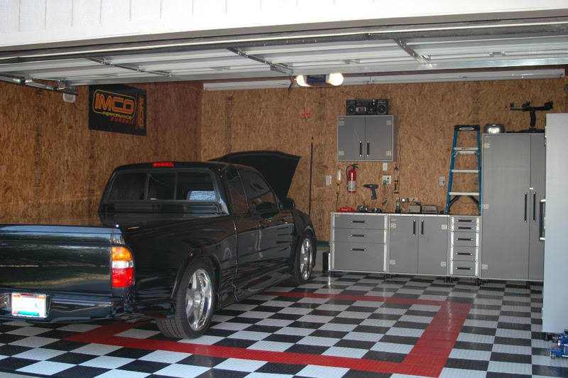 Garage Design Ideas with Cabinet and Hanger Compartment ...
