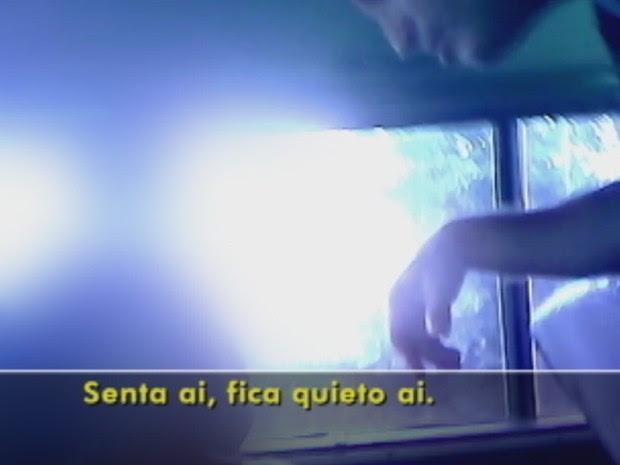 Motorista teria agredido criança e pedido para ela não ficar em pé no banco (Foto: Reprodução/ TV TEM)