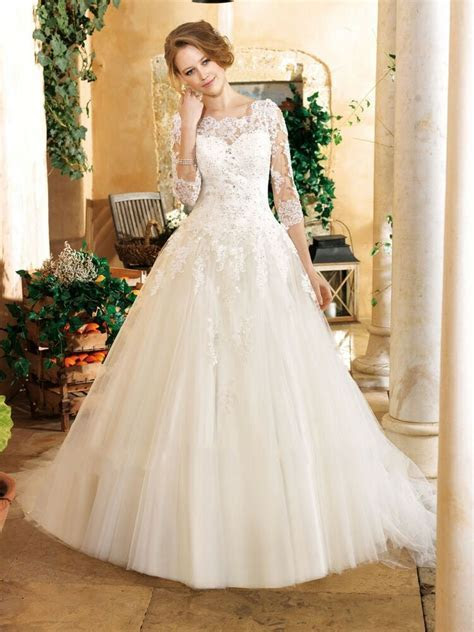 New Elegant with 3/4 Sleeve Ball Gown Wedding Dress Lace