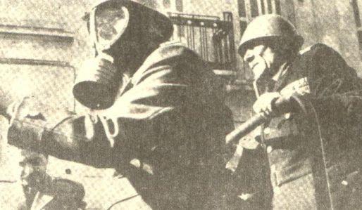 1 Δεκέμβρη 1960: Η μέρα που οι οικοδόμοι ξήλωσαν τα πεζοδρόμια