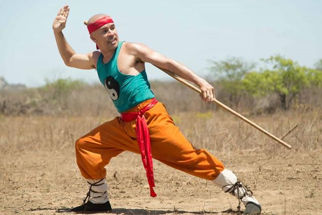 O Shaolin do Sertão é comédia de ação que mistura Trapalhões e Bruce Lee
