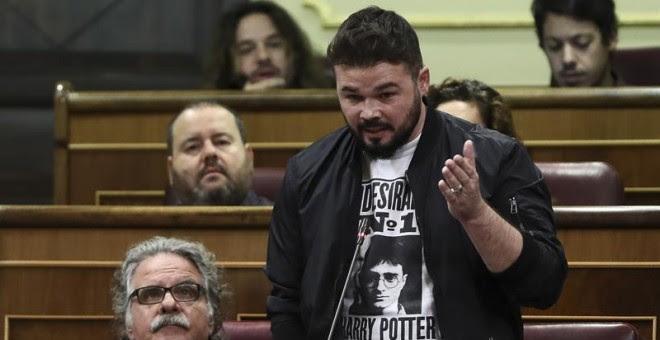 El portavoz de ERC en el Congreso Gabriel Rufián, durante su intervención en la sesión de control al Gobierno. EFE/Mariscal