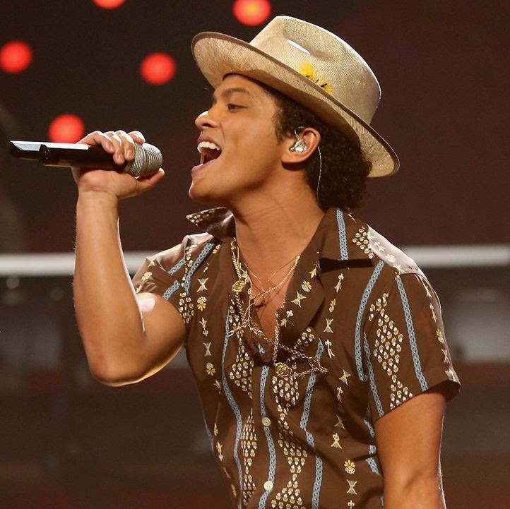Bruno Mars : 2013 iHeartRadio photo bruno-mars-drake-miguel-perform-iheartradio-watch-11.jpg
