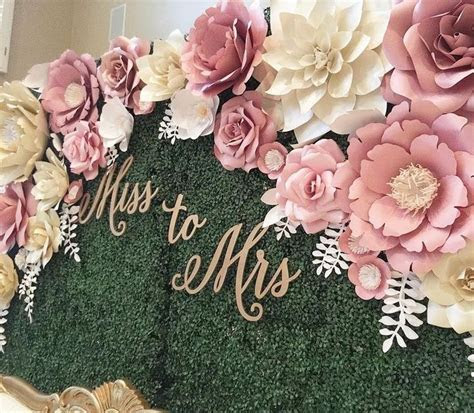 Ivory and gold flowers with gold monogram instead