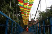 Sensasi Berjalan di Atas Jembatan Payung Kota Malang, Seru Banget!