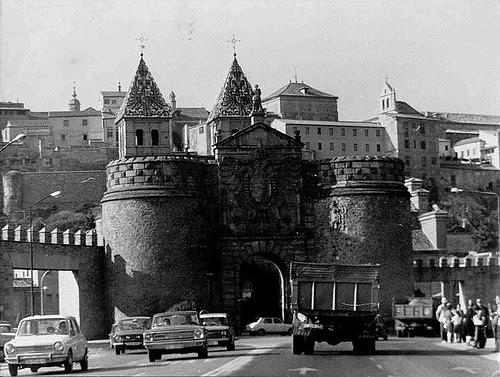Puerta de Bisagra, años 80