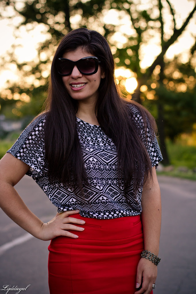 red pencil skirt to work-3.jpg