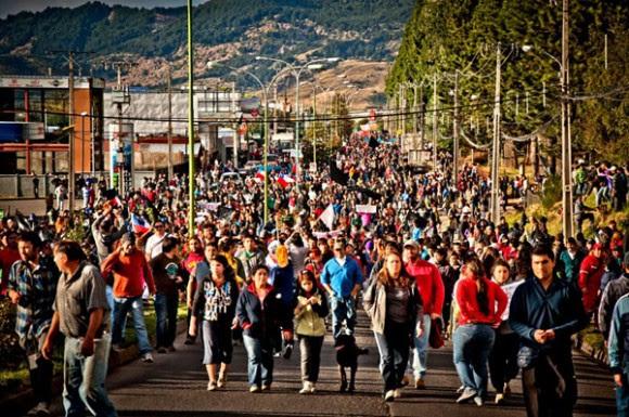 Tras varios días, las protestas fueron retomadas en Aysén luego de que el gobierno condicionara el inicio del diálogo al fin total de los bloqueos parciales de las rutas que se llevan adelante desde el inicio de las manifestaciones el 12 de febrero.