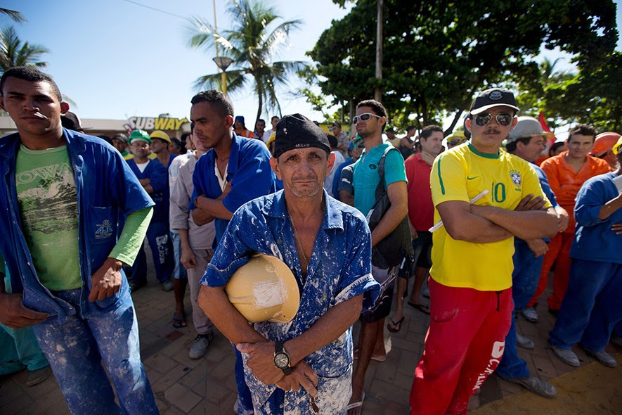 Trabalhadores da construção civil apoiam a greve dos metroviários