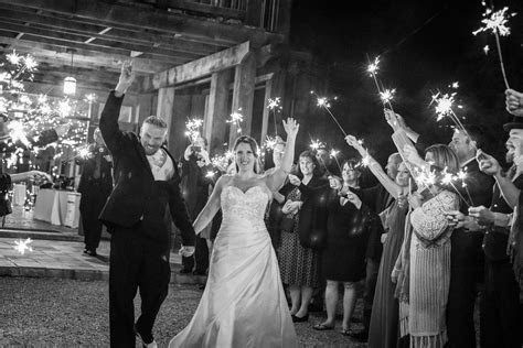 Must know tips for the best wedding sparkler send off