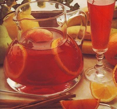 sangria,sangria alla frutta,mele,pere,limone,brandy,cannella,