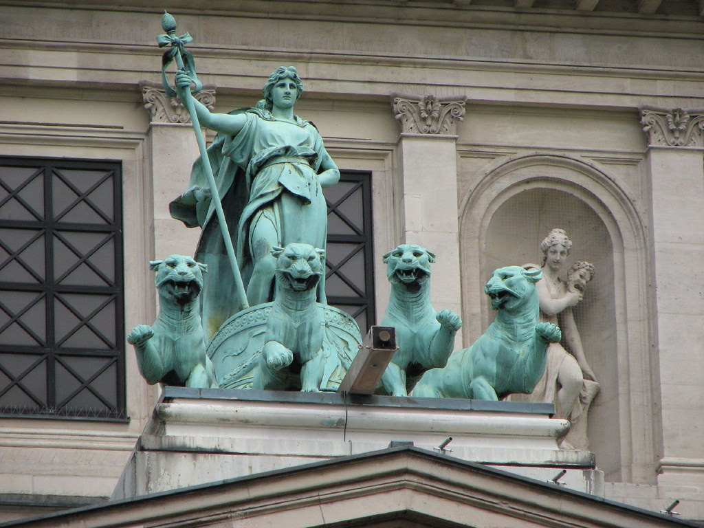 On the old Frankfurt Opera House