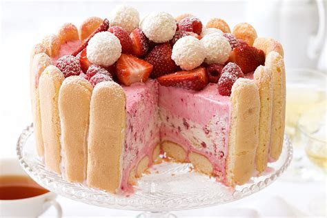 Dessert cake strawberries berries sweet food biscotti