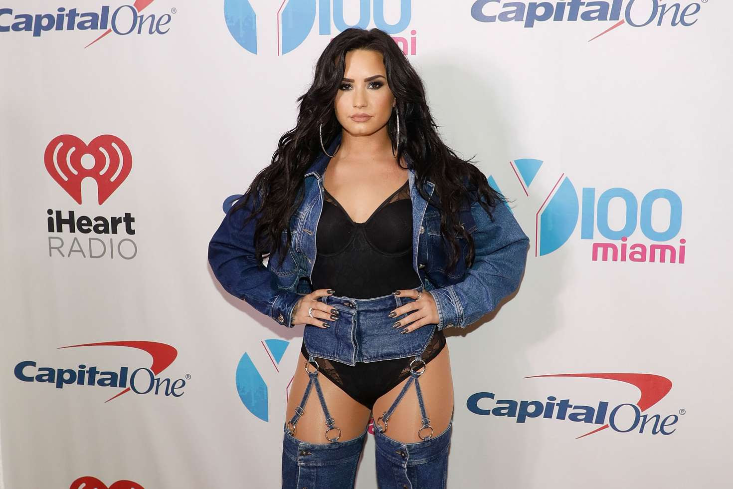 Demi Lovato – Performs at Y100's Jingle Ball 2017 in Sunrise
