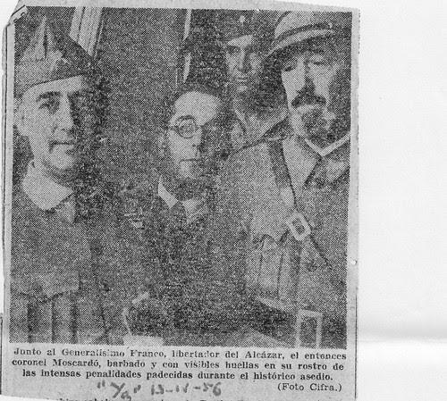 Francisco Franco, Artur Portela y José Moscardó el 29 de septiembre de 1936 en el Alcázar de Toledo. Foto de Cifra. Diario Ya de 1956