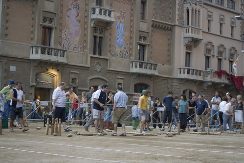 Una partida de Bitlles Catalanes a Vic