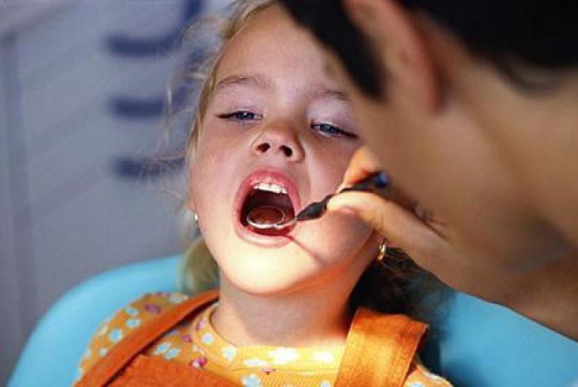 Bagaimana Nak Atasi Masalah Gigi Berlubang? Berkumur Saja Dengan Air Kunyit - CakapManis