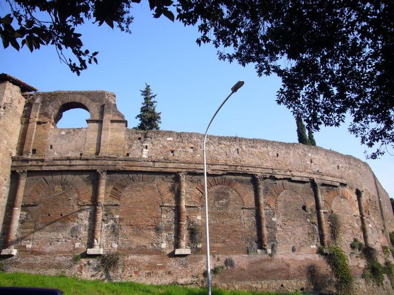 File: Esquilino - Castrensian Amphitheatre 1000921.JPG
