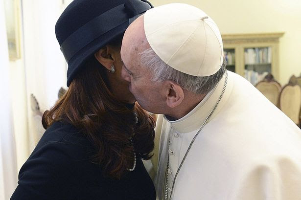 """""""I've never been kissed by a Pope before"""": Mrs Kirchner and Pope Francis"""