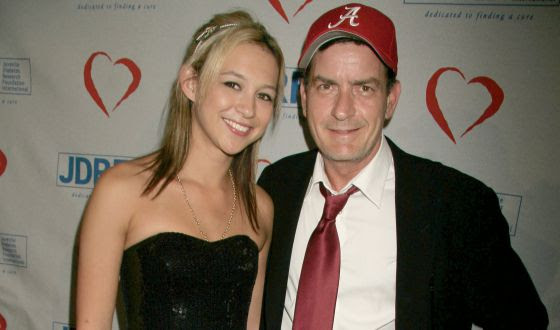 Natalie Kenly y Charlie Sheen