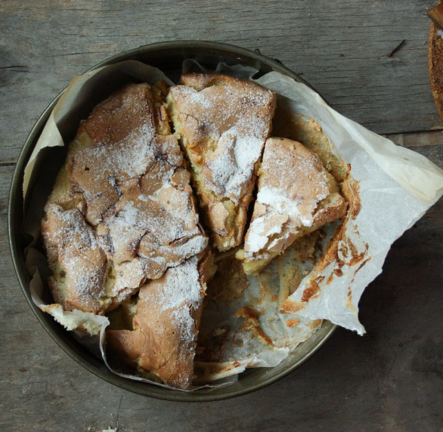 Four ingredient apple cake