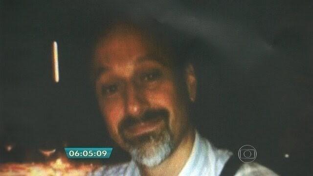 Cão detecta sangue de americano morto em quarto de prostituta