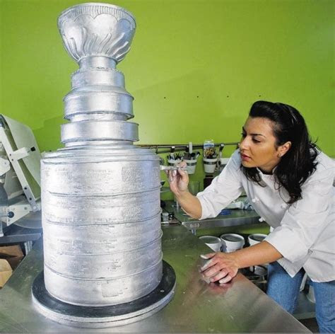 25  best ideas about Stanley Cup Cakes on Pinterest