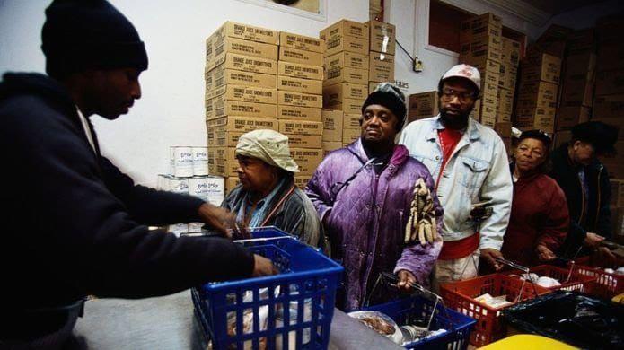 Les Afro-Américains, en général, continuent d'accuser un retard considérable en matière d'indicateurs de bien-être.