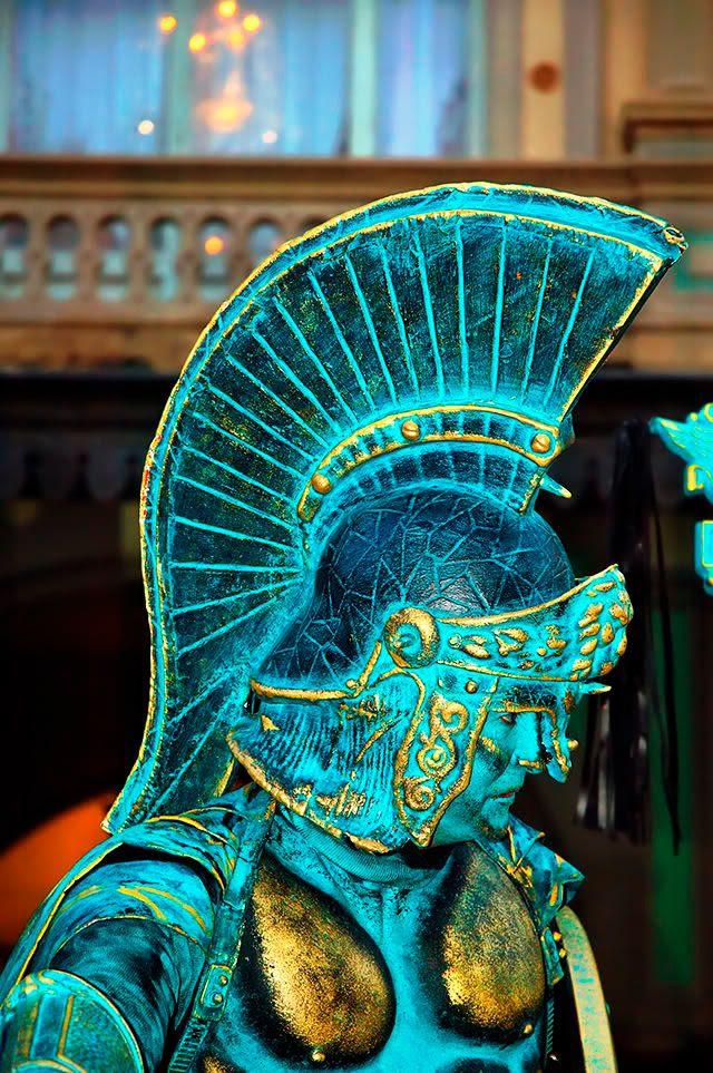Human Statue of Warrior, Las Ramblas, Barcelona [enlarge]