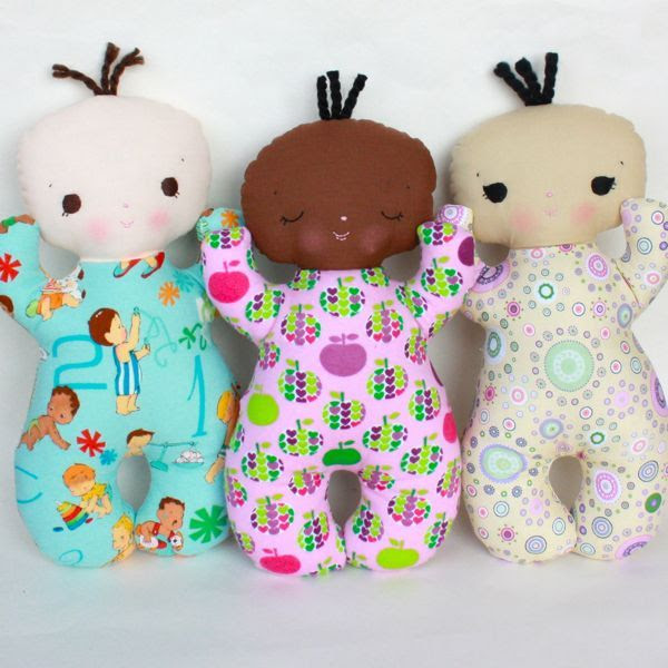 Butterbean PDF Pattern doesnt give a price for the pattern but I think its adorable baby's first dollie