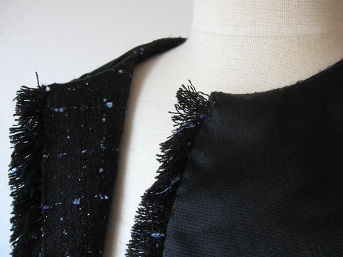 Inside neckline1